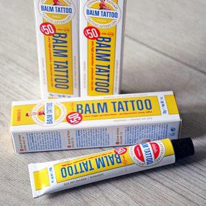 Crema con protección solar para la piel tatuada